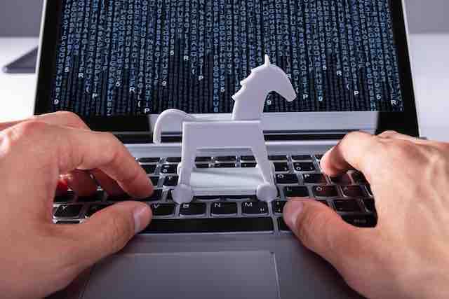 Masslogger Swipes Microsoft Outlook, Google Chrome Credentials