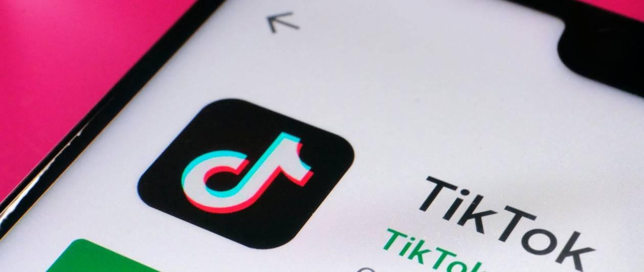 "tiktok faces billion pound legal battle over ""illegal"" data collection"