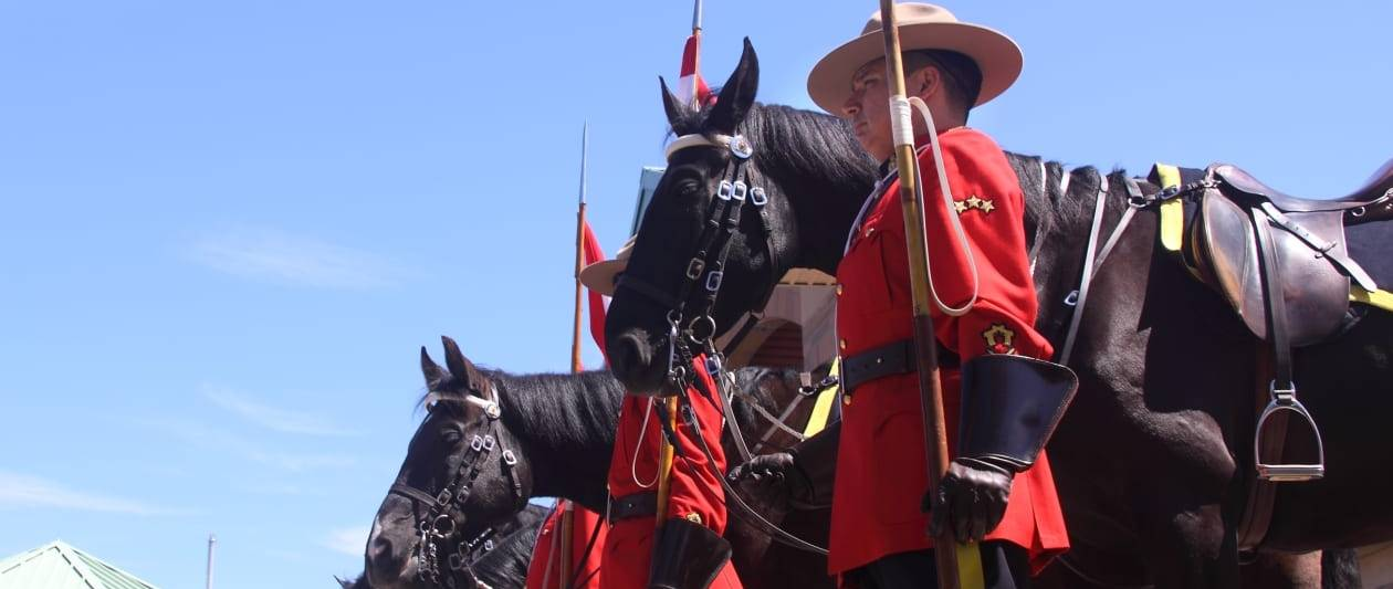 canadian mounted police broke law with clearview ai deal