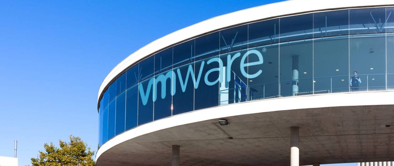 critical flaw in default vcenter server could give hackers infrastructure