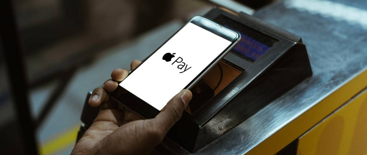visa card holders using apple pay warned of payment exploit