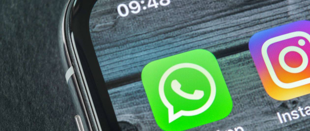 whatsapp activates end to end encrypted cloud backups